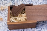 csm-usb-stick-bundle-swivel-wooden-trinket-box-for-photographers-02